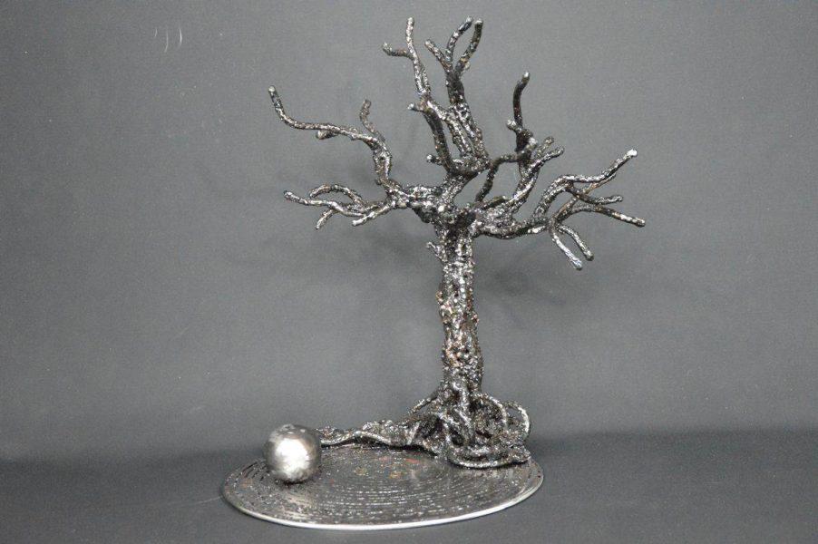 Yunibâsutsuri par Serge Guarnieri - Sculpture Arbres-Bonsaïs